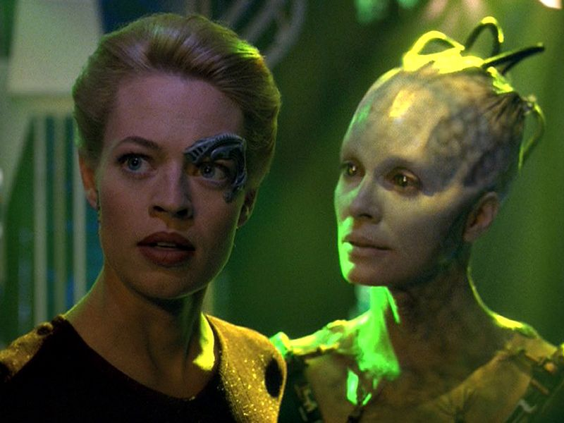 Borg Queen And Seven Of Nine Wallpaper 800x600