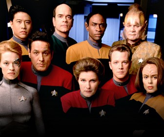 Star Trek Voyager Crew Wallpaper