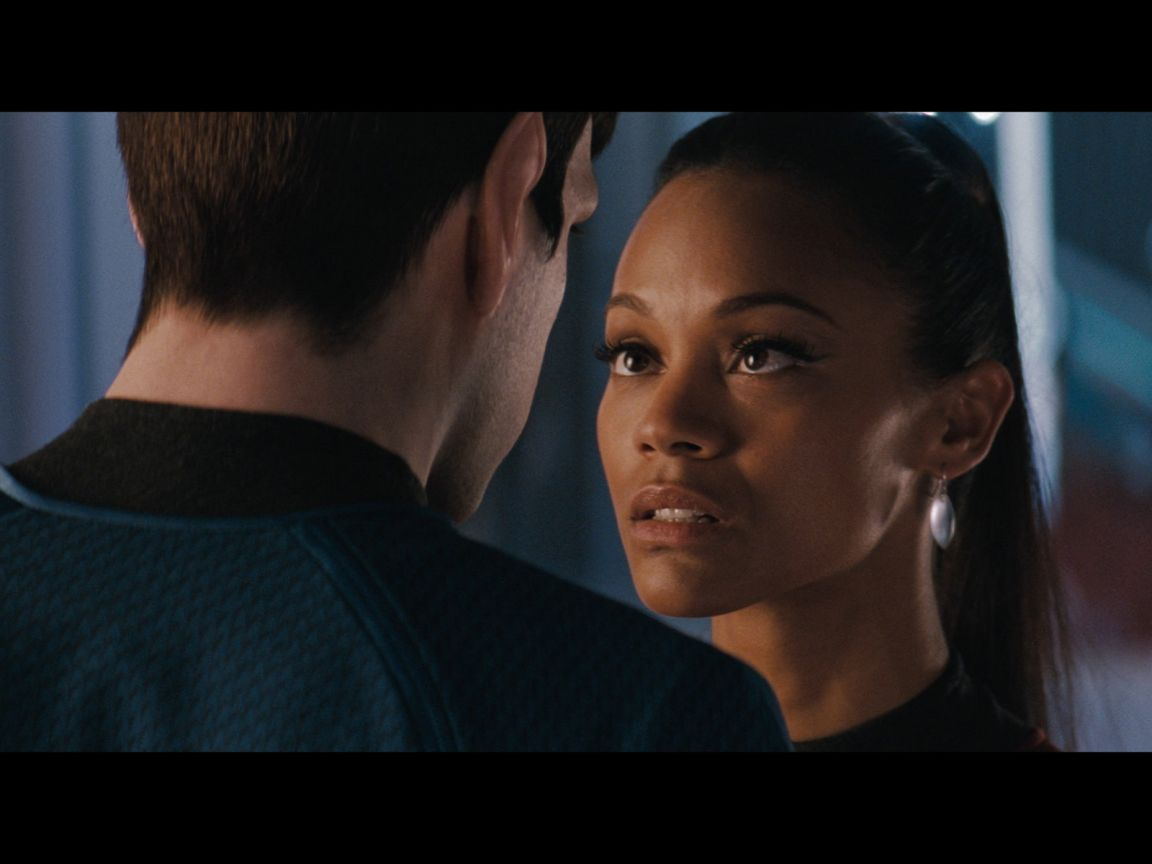 Zoe Saldana As Uhura Wallpaper 1152x864